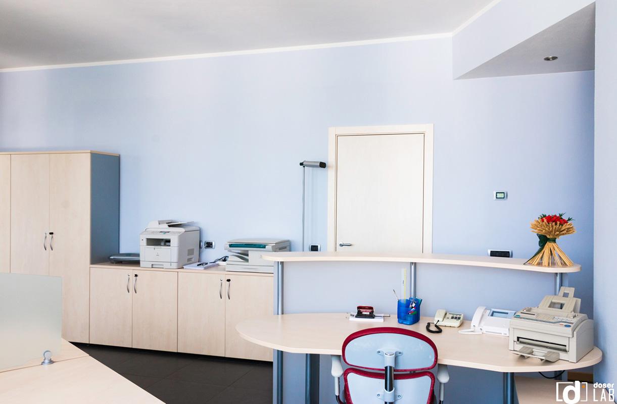 Ufficio arredato zona crocetta doser real estate for Ufficio arredato